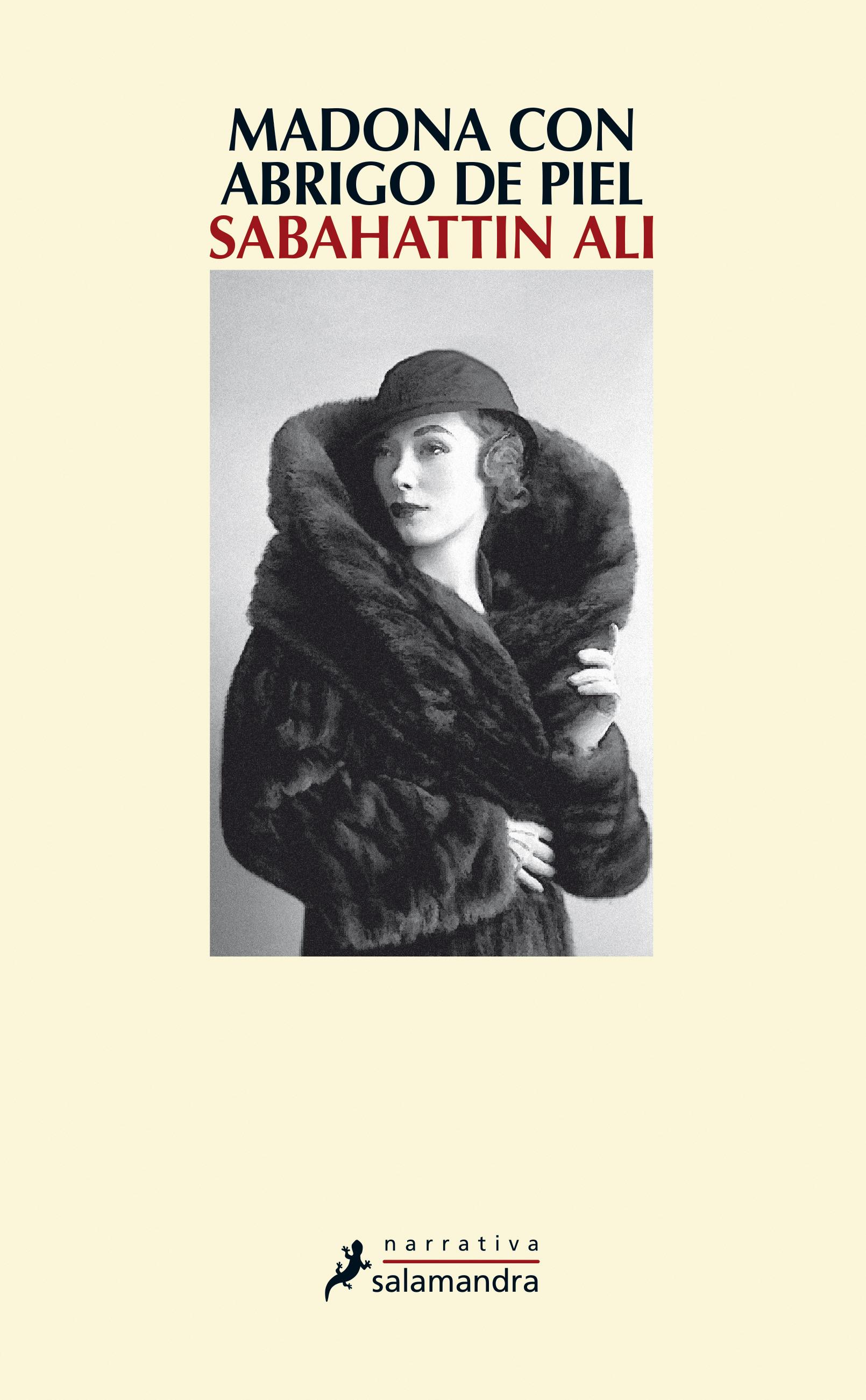 Madona con abrigo de piel